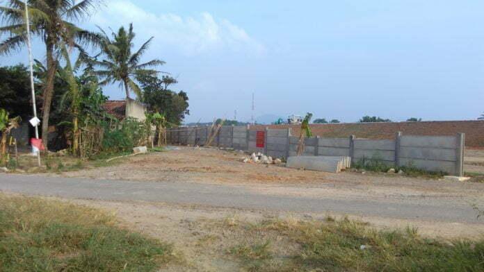 Sisa lapangan Jatisari yang digusur Tol Trans Sumatera. Dari total 11.000 meter persegi, sekarang tinggal 200an meter persegi.